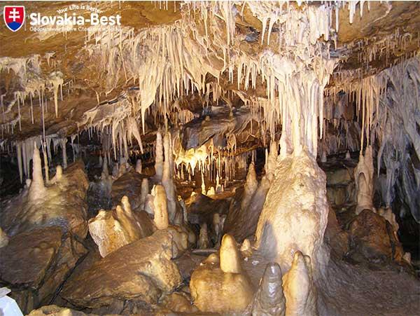 Горные пещеры - достопримечательности Словакии